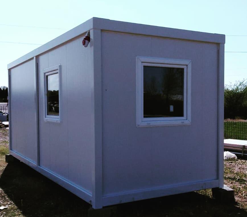 kontejner 6.00x2.43x2.60m sa dve kancelarije