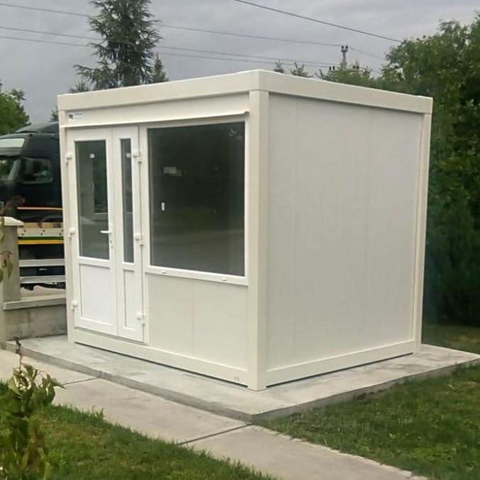 kontejner 3.00x2.43x2.60 -montažna prodavnica